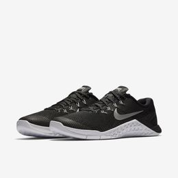 Tn_Nike_M4_Fem_Preto_34_501